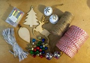 Christmas Lights Garland Materials